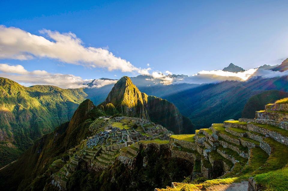 暗黒の地ペルー