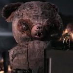 "Big Bear is watching you!管理社会を批判したMuse ""Uprising"" のPVに巨大テディベアが出現"
